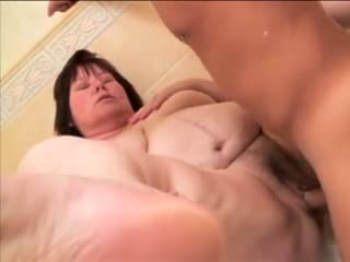 Big hairy housewife pussy fucking